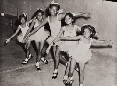 Young Dancers : 1959 ; Yolanda Verrett, Patricia Ann Holloway, Evelyn Yvonne Holloway, Lavonia Webb and Anna Faye Webb with the Flora Robb Dance Studio, Oxnard : 1959.