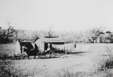 Adobe residence of José and Francisca Solares at Zanja de Cota. Photo by Cristina Moller : 1906.
