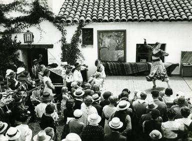 Fiesta Dancers at the El Paseo