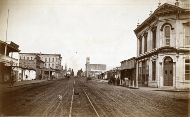 Looking North at State & De La Guerra Streets