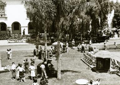 De La Guerra Plaza - Victory Gardens