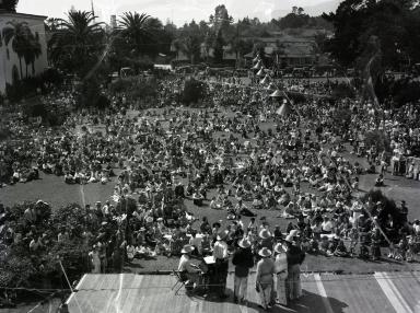 Fiesta - Santa Barbara Courthouse Sunken Garden