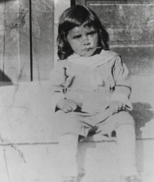 Vincent Tumamait, son of Cecilio and María Basilisa Tumamait : 1921.