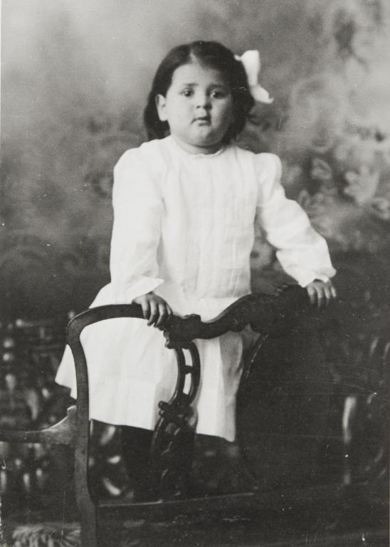 Alice Branch, daughter of Anita Branch (née Mandínez) and William Branch : 1910.
