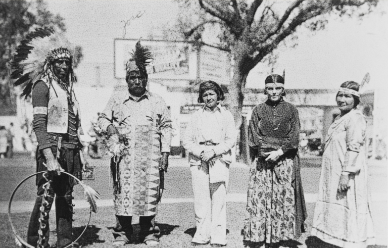 Chief Red Horse, Jose Baylon (Salinan), Anna Herrera (née Forsting) (Salinan), Rebecca Red Horse and Felicita Forsting (née Rosas) (Salinan), Paso Robles parade : ca. 1931.