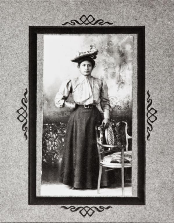 Lucrecia García (née Ygnacio), daughter of José and Luisa Ygnacio : circa 1897.