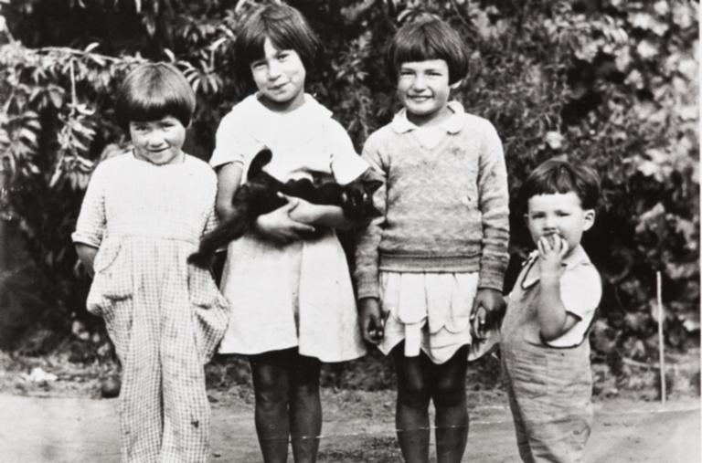 Josephine Yee, Maxine Silva, Valentina and John Yee, descendants of Barbareño Chumash Indians : circa 1928.
