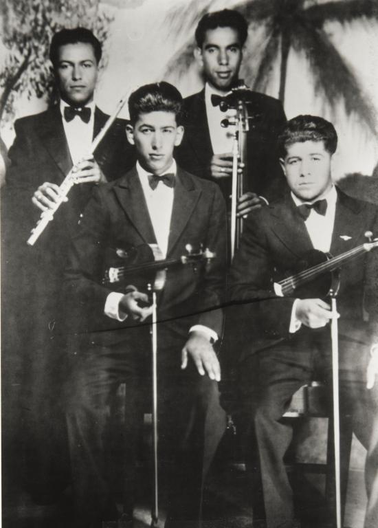 Hispanic quartet in Carpinteria, CA.