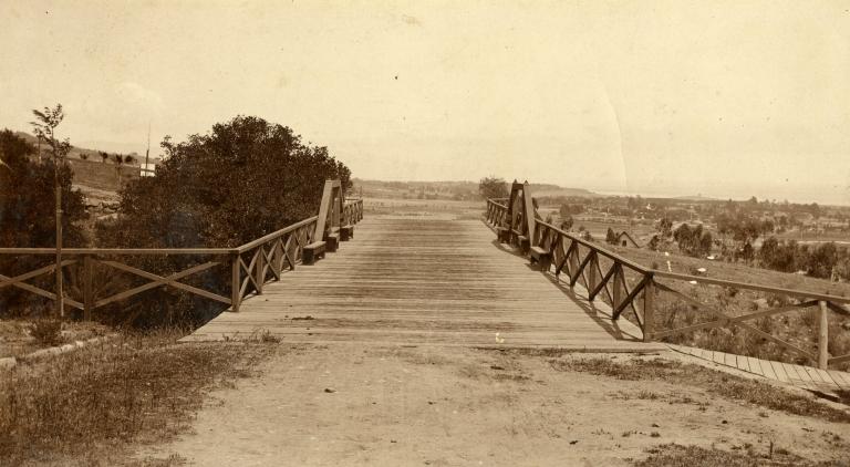 Grand Avenue Bridge