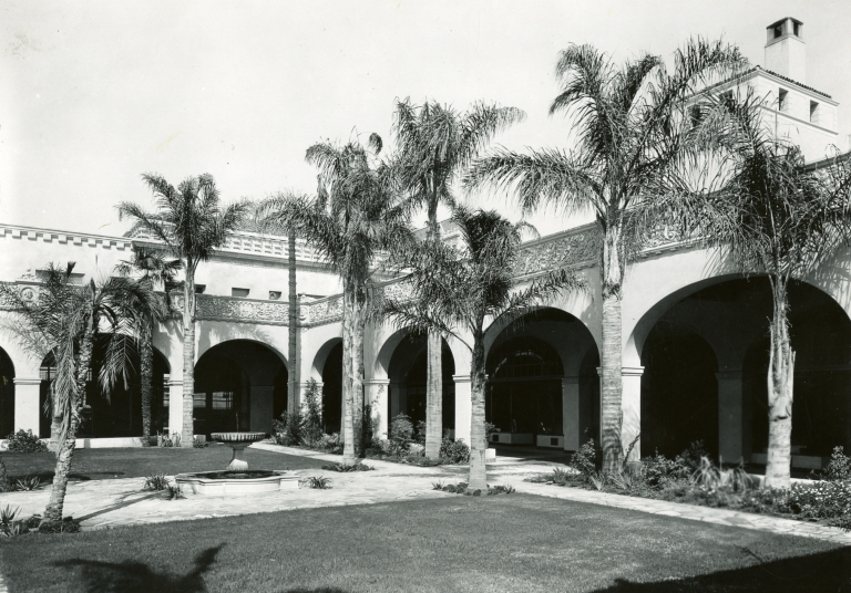 San Marcos Building