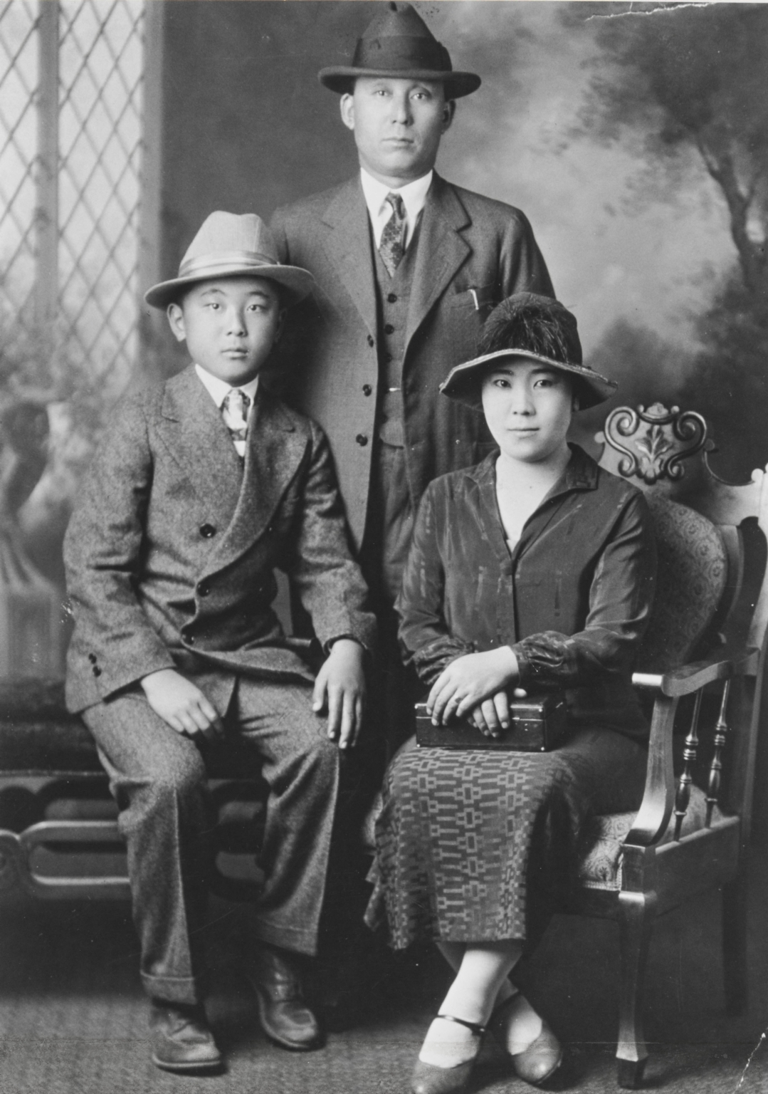 Paul, Tom and Mary Kurokawa, San Luis Obispo : 1925.
