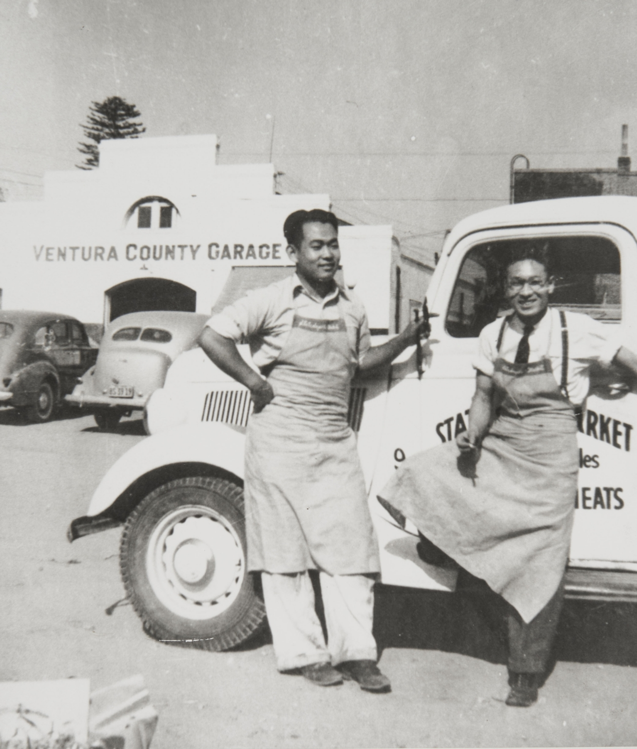 Roy Esaki with fellow worker on after school job at State Super Market, Main and Palm Streets, Ventura : 1938.