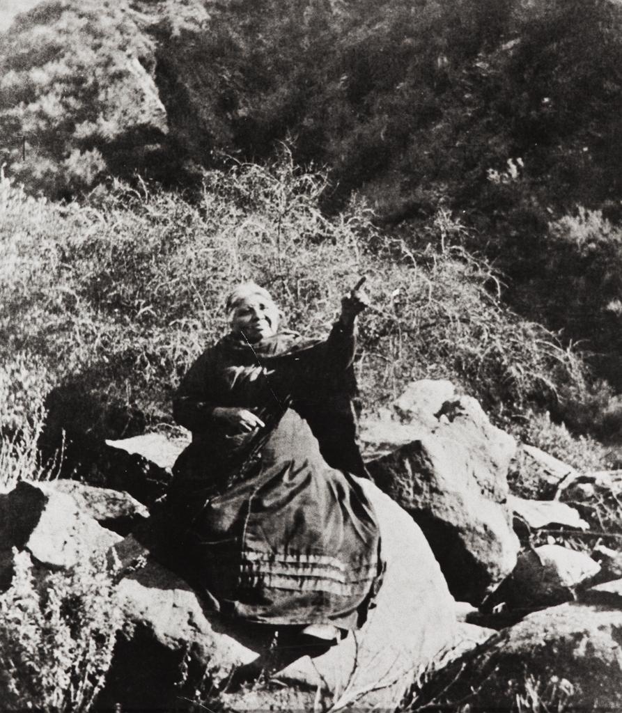 Candelaria Valenzuela, basket weaver of Ventureño Chumash and Fernandeño ancestry : circa 1912.