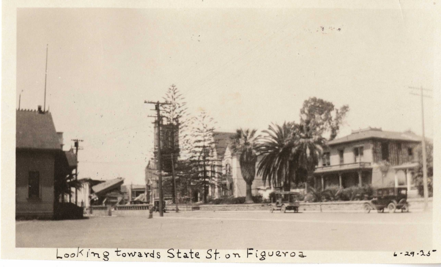 Santa Barbara 1925 Earthquake damage - Looking Towards State St.