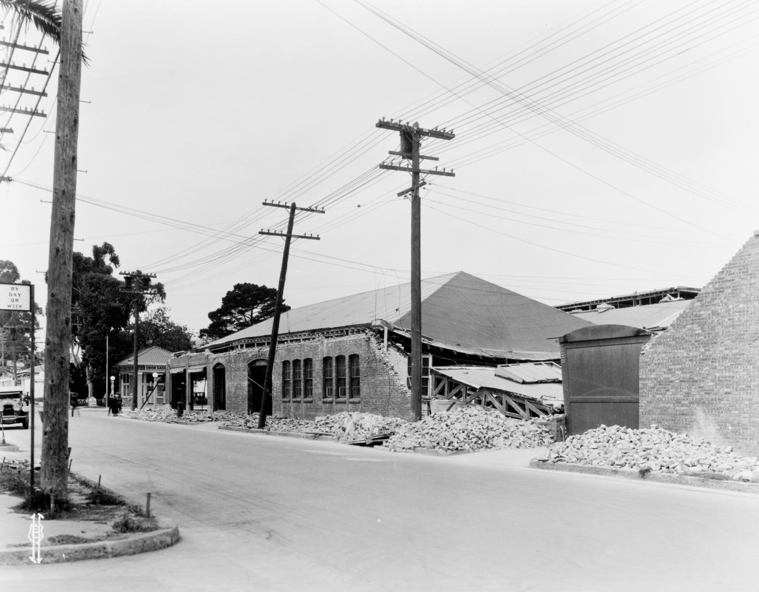 Santa Barbara 1925 Earthquake Damage - Motor Car Company