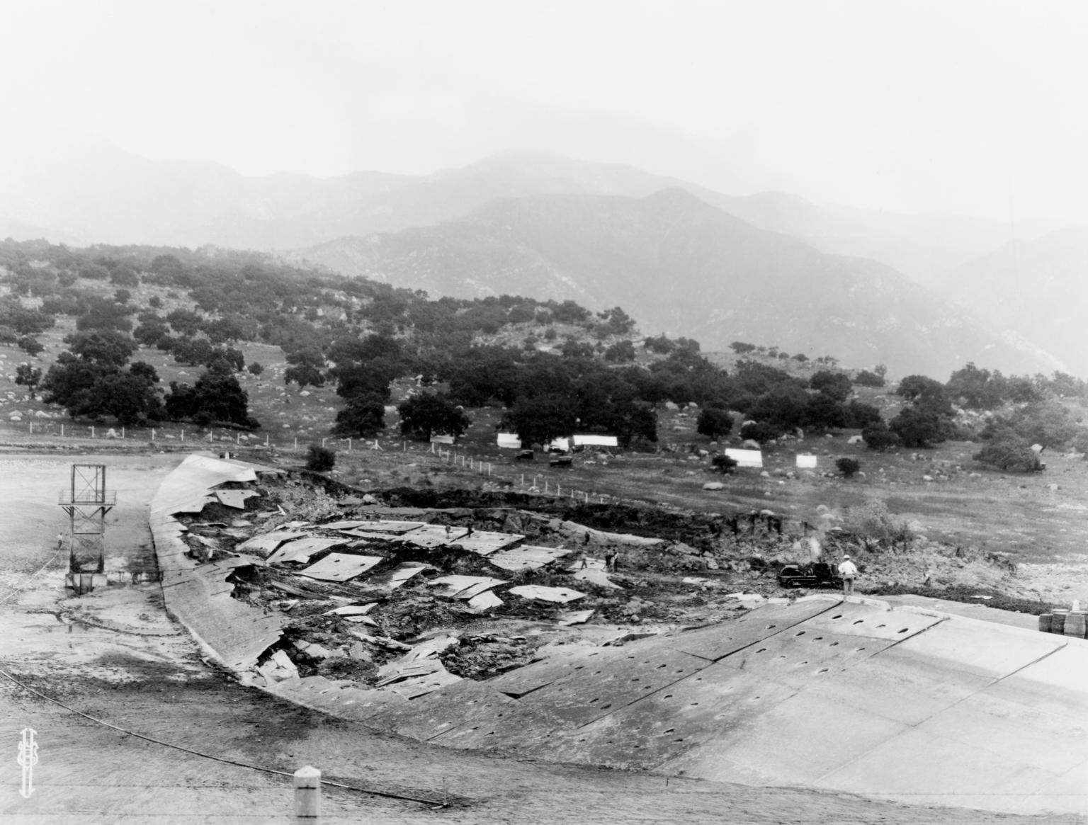 Santa Barbara 1925 Earthquake Damage - Reservoir